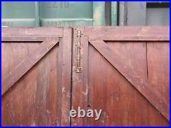 1 RECLAIMED PAIR OF WOODEN DRIVEWAY GATES 7 ft w x 5 ft 11 h