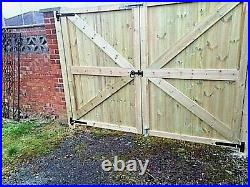 BESPOKE Wooden TVG Straight Top Driveway Gates