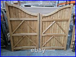 Drayton High Centre Wooden Driveway Gates 2170mm W x 1800mm H PAIR
