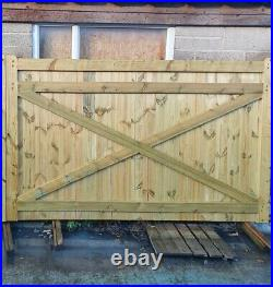 Driveway gate H5ft W8ft Heavy Duty Redwood Treated Redwood Wooden Gate