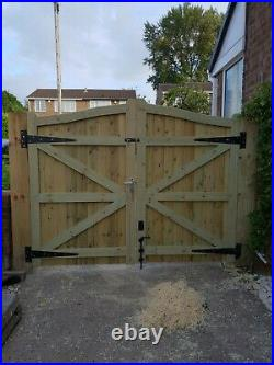 WOODEN DRIVEWAY GATES HEAVY DUTY GATES! 6ft HIGHEST POINT FREE DELIVERY W8FT