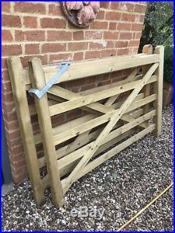 Wooden Diamond Braced 5 Bar farm driveway gates