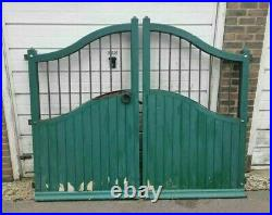 Wooden DriveWay Garden Gates