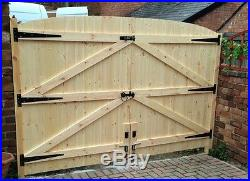 Wooden Driveway Gates! 5ft 6 High X 10ft Wide (5ft Each Gate)