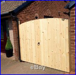 Wooden Driveway Gates! 5ft 6 High X 6ft 6 Wide Free T Hinges & Top Bolt