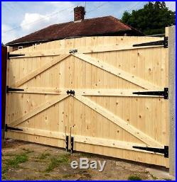 Wooden Driveway Gates 5ft Highest Point X 8ft 6 Wide & Full Fitting Kit