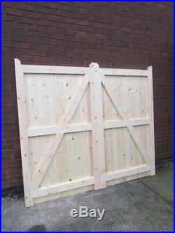 Wooden Driveway Gates Framed, Ledge & Braced 6ft 1800mm Flat Top
