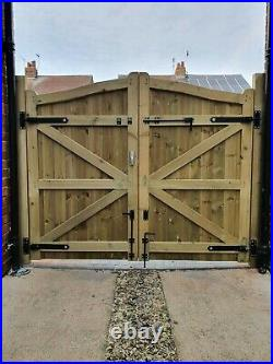 Wooden driveway gate h 1.8m w 2.1m heavy duty frame 7x10cm DELIVERY FREE