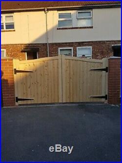 Wooden driveway gate h5ft w9ft heavy duty frame 7x10cm